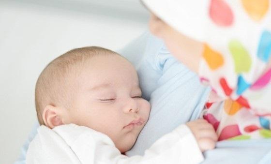 وشک بچه و ابهامات مادر در رابطه با تعویض پوشک بچه