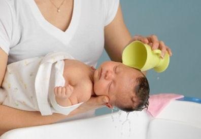 اولین حمام کودک شما و نکات اساسی راجع به آن