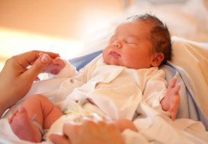 مشکلات نوزادان و آنچه که باید در مورد آن بدانید و مهم ترین و شایع ترین مشکلات نوزادان چیست؟